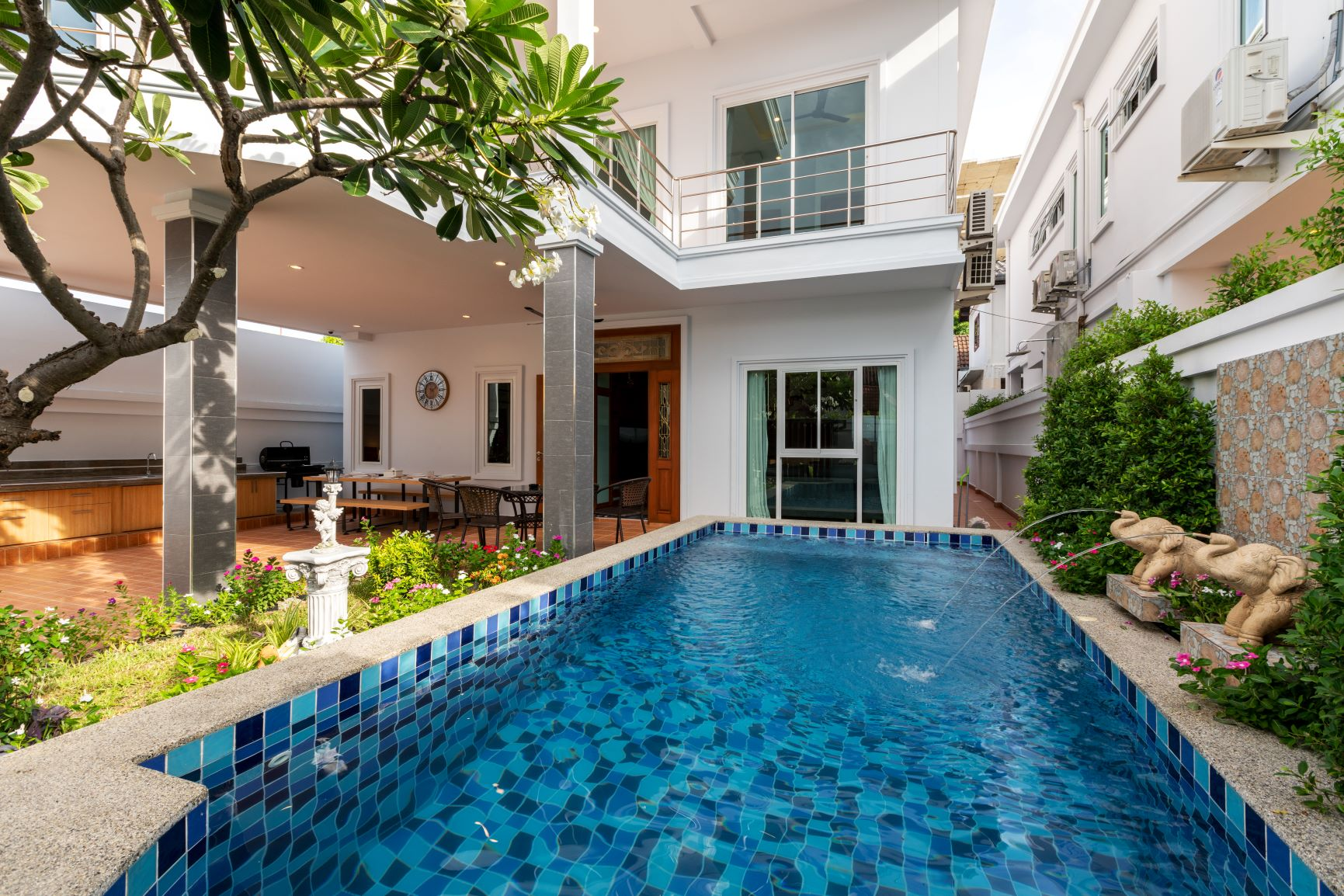 388/22 Suksabai Villa - 12 Million Baht  2 Stories house with private swimming pool, 5 Bedrooms, 5.5 Bathrooms, Living room, European kitchen, Storage room