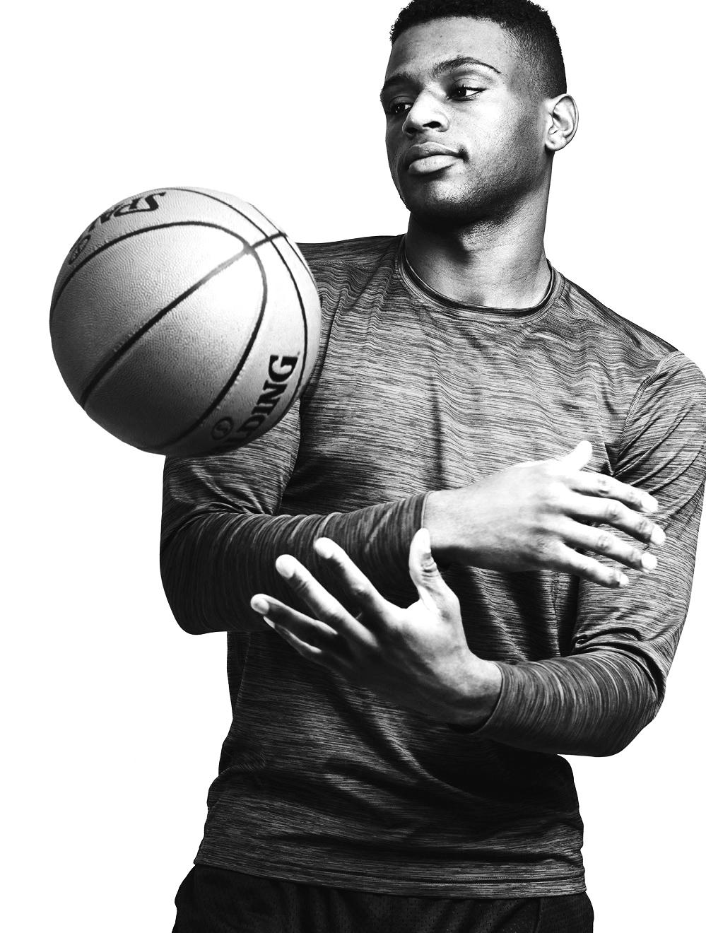 Everett_Aaron_Okayama_Basketball1.jpg