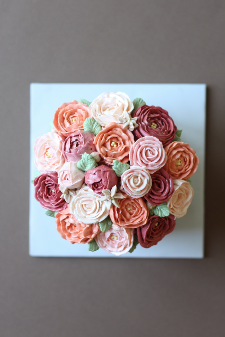 Buttercream rose flower cake