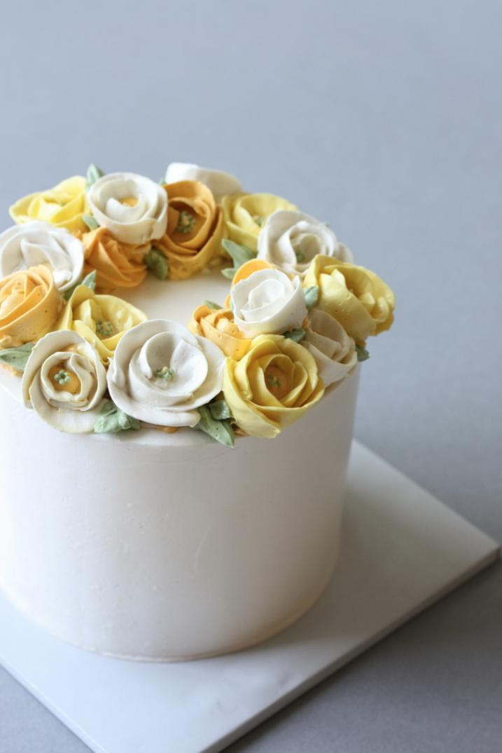 Buttercream poppy flower cake