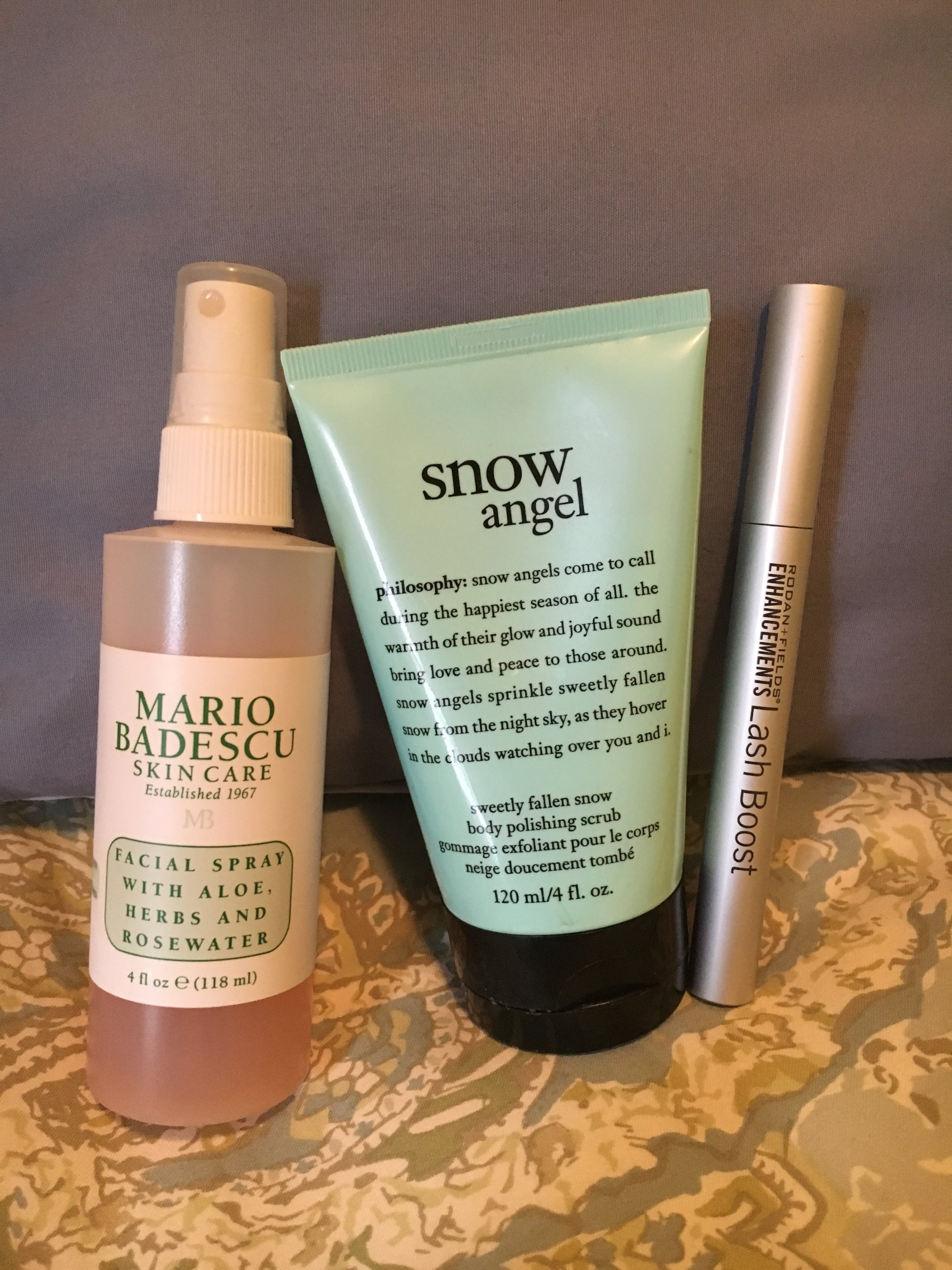 These are some products I'm loving at the moment, especially on snowy days!  Mario Badescu  facial spray with aloe herbs and rose water,  Philosophy  snow angel body scrub, and Rodan & Fields lash boost serum. More below.