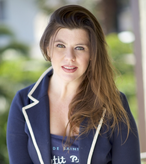 Kelly Grace Thomas Headshot.jpg