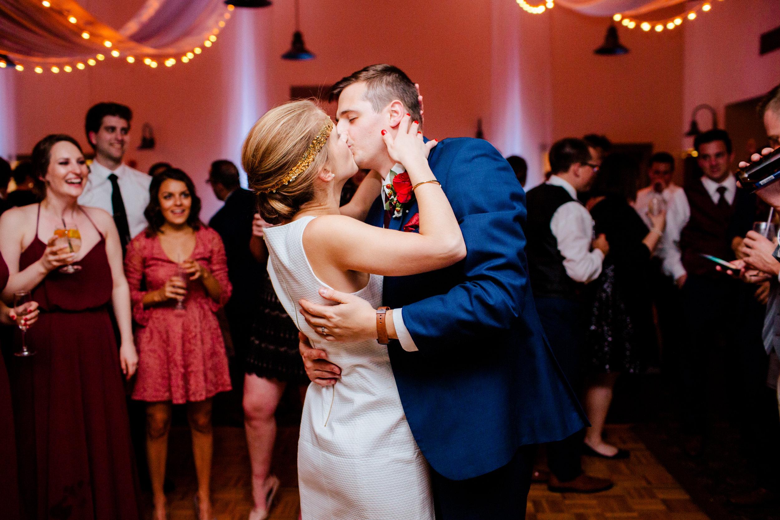 Jeff-and-Leslie-Wedding -9105.jpg