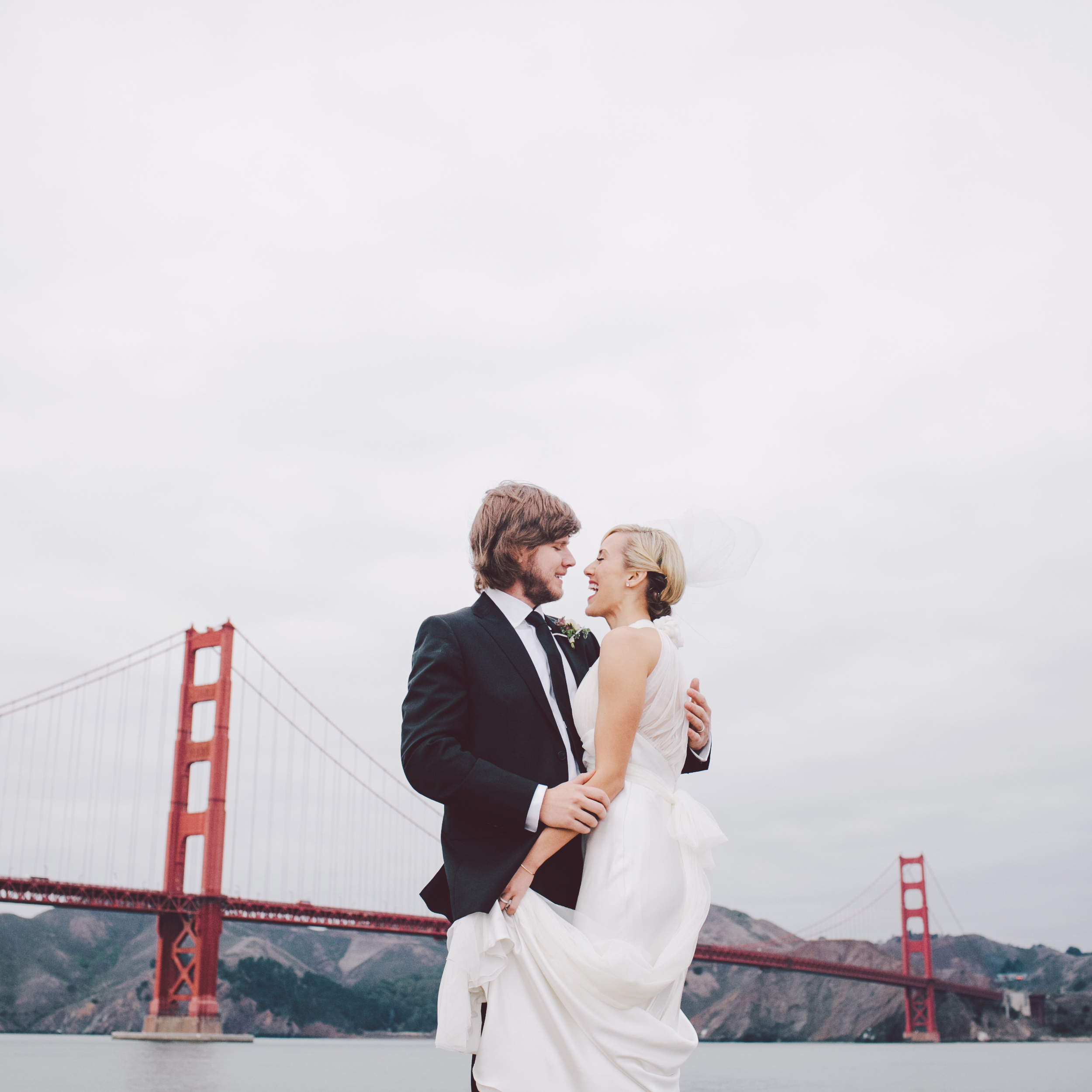 SF CITY HALL CABLE CAR WEDDING