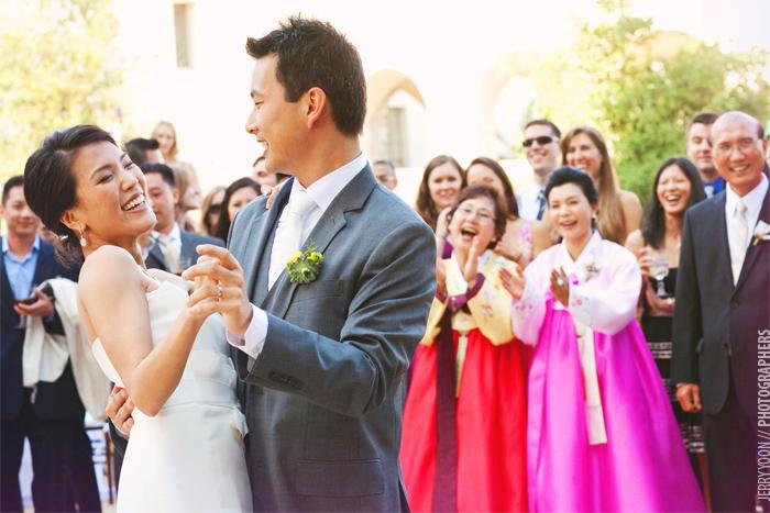 Pasadena_City_Hall_Wedding_Yellow_Gray_Colors-54.JPG