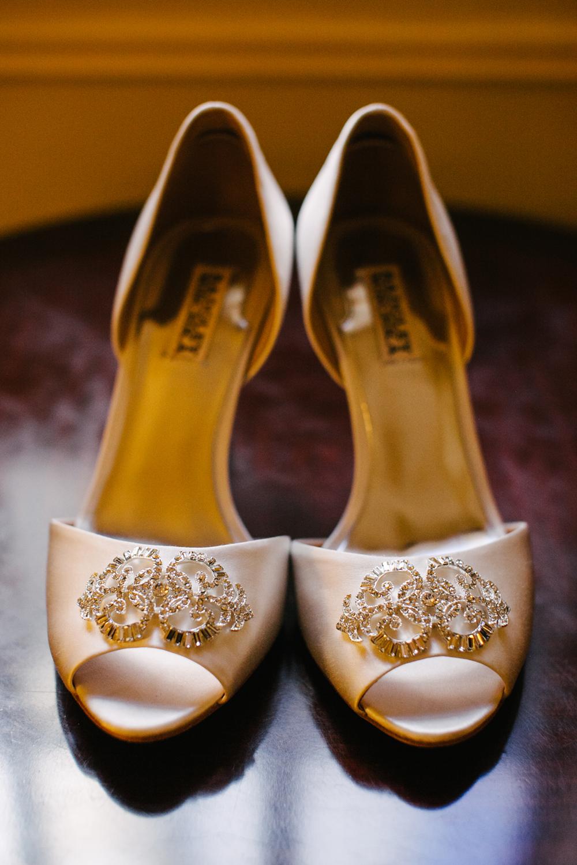 Gold_Glam_Wedding_Cicada_Restaurant-02.jpg