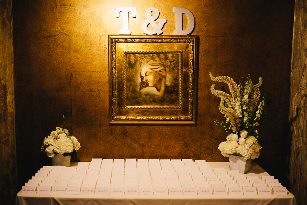 Gold_Glam_Wedding_Cicada_Restaurant-04.jpg