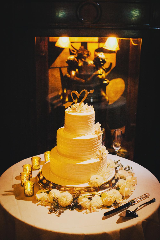 Gold_Glam_Wedding_Cicada_Restaurant-06.jpg