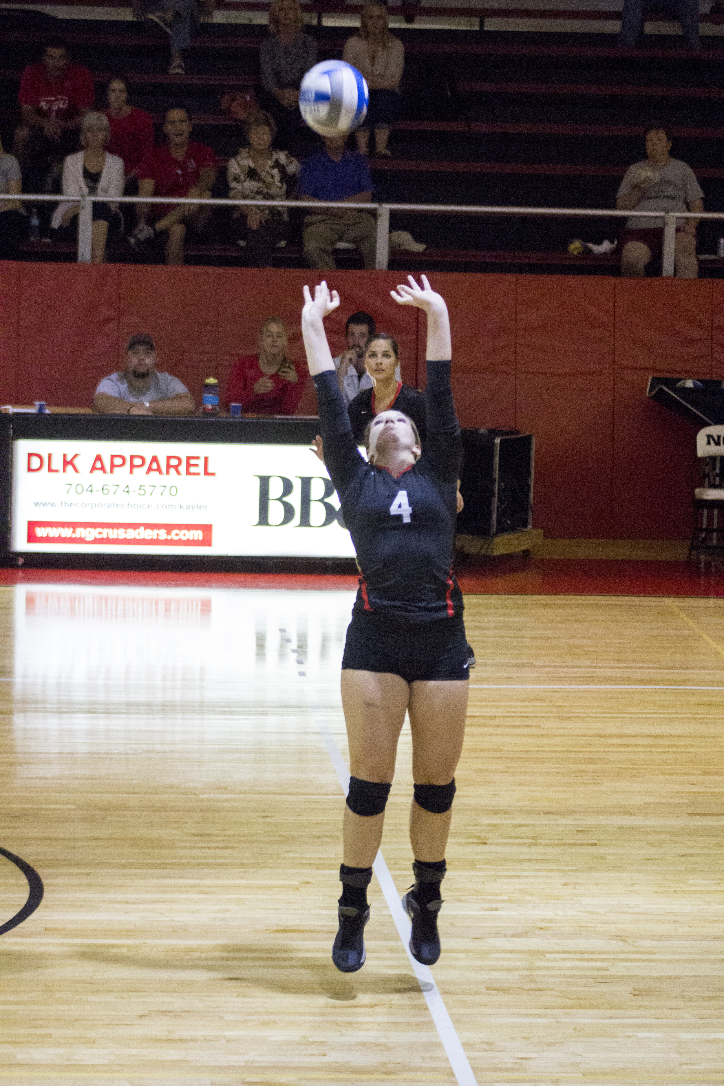 Sophomore Ashlyn Wilkinson sets the ball for her teammates.