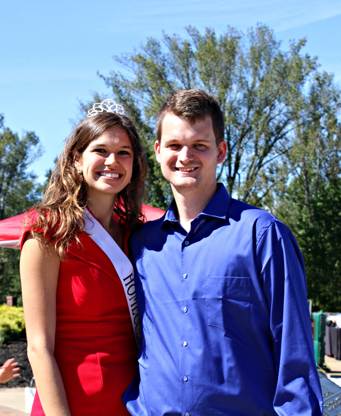 Former homecoming queen Eden Crain (senior), and her fiancé are enjoying homecoming as her last day of being queen.