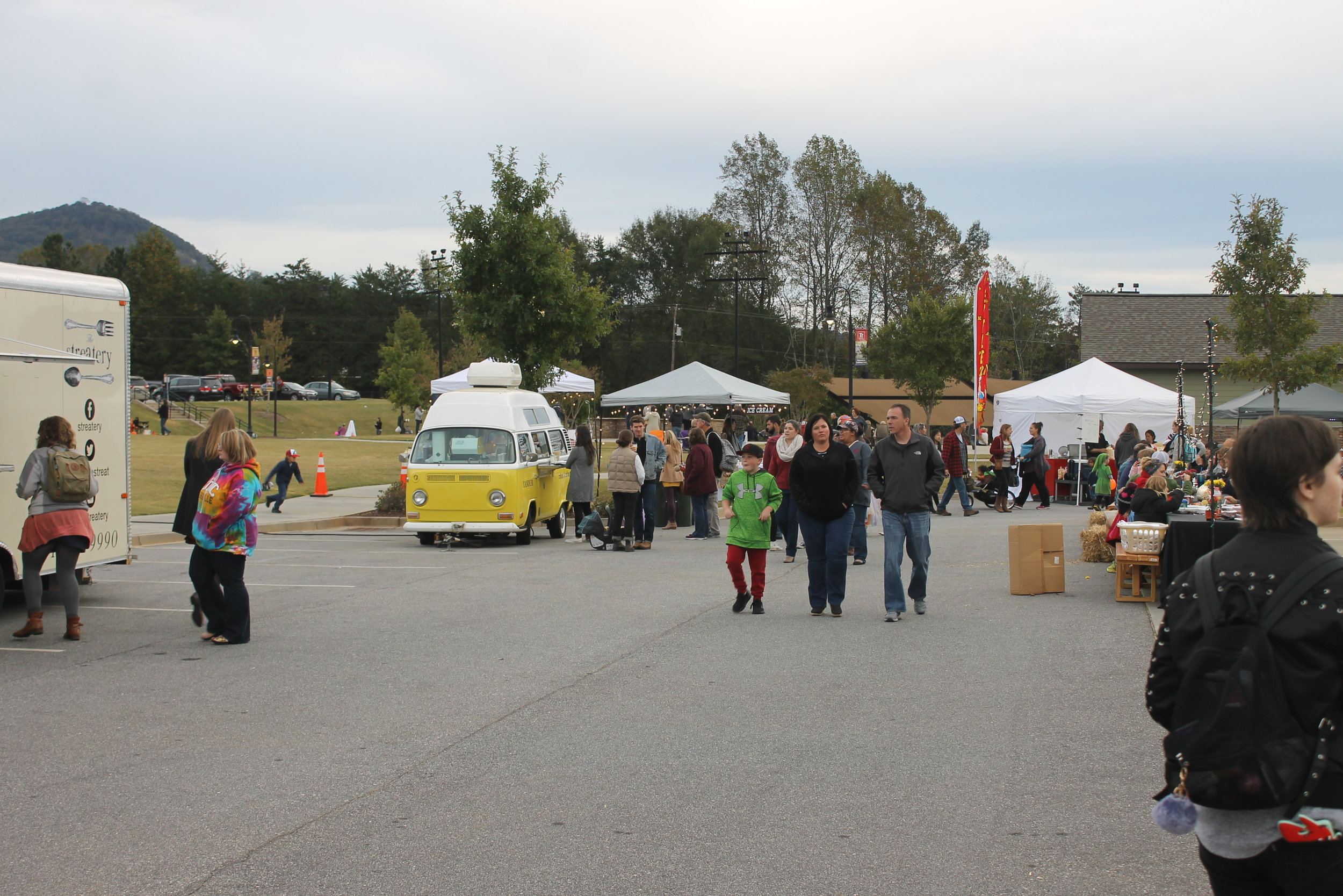 Travelers Rest, SC commenced their annual fall bluegrass and harvest market on Oct. 25.