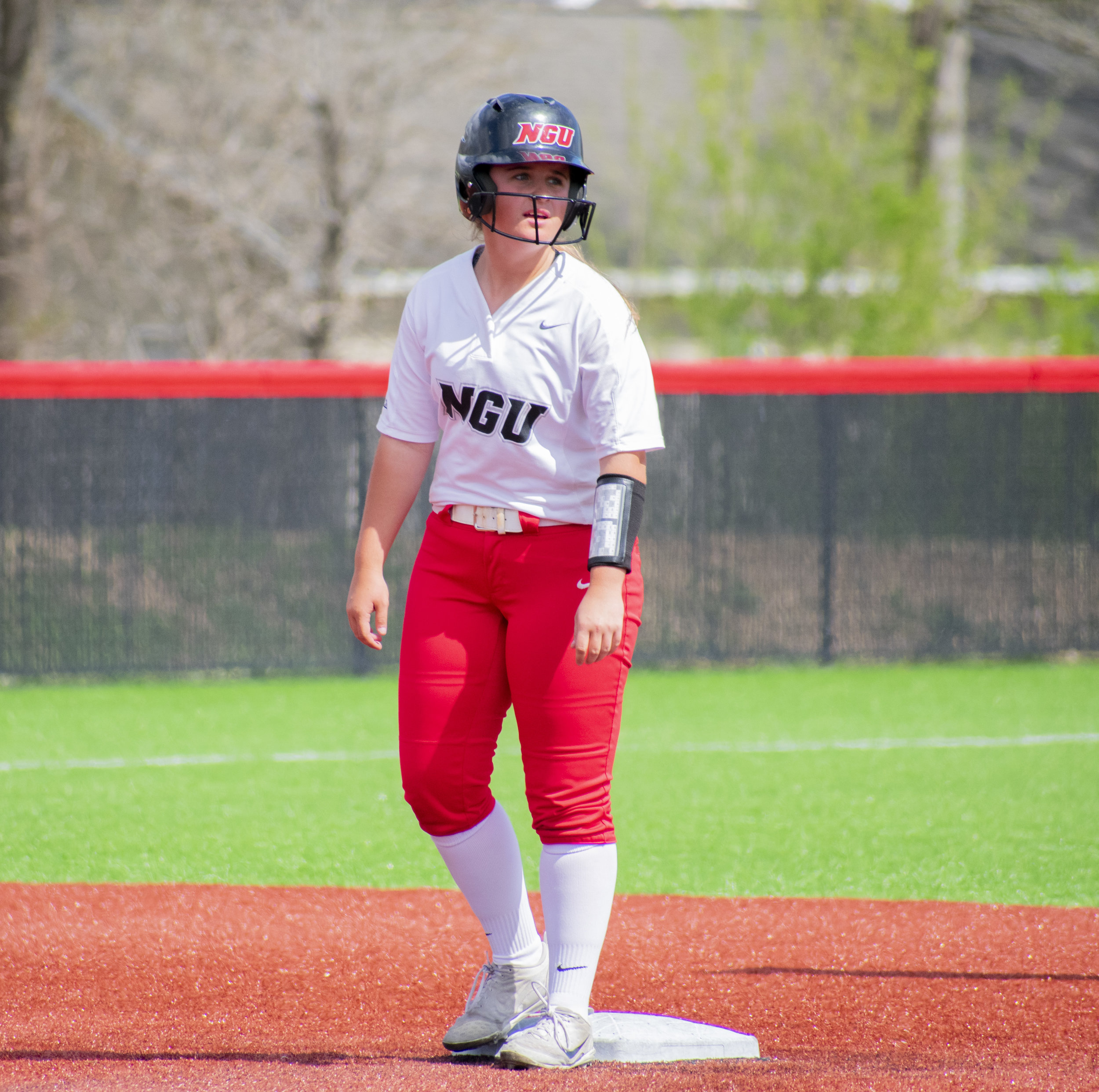 Freshman Josie Reed (8) runs from home base to second base.