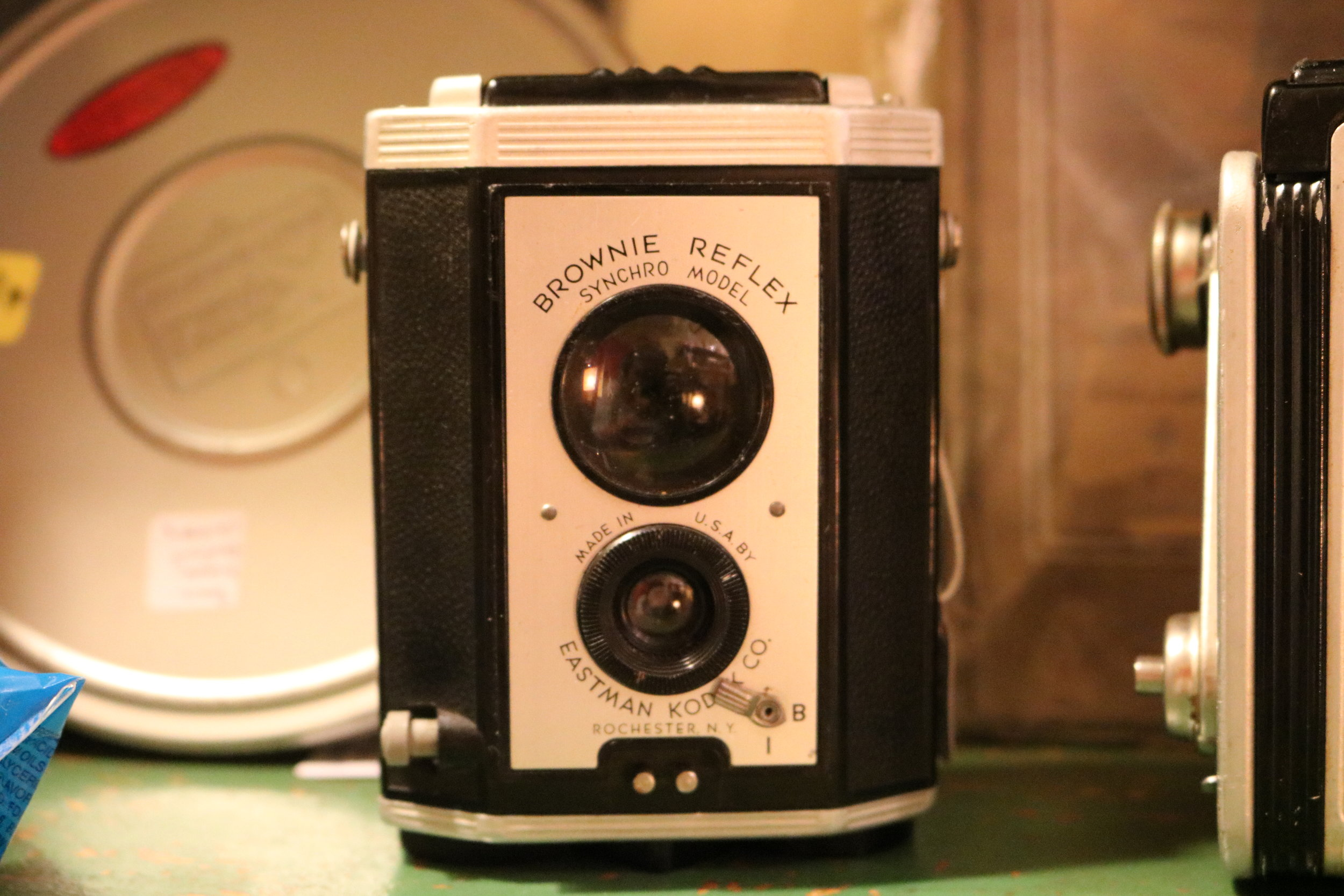 An old Kodak Brownie Reflex camera from the 1940's-1950's for sale (I actually bought this one because its really cool).