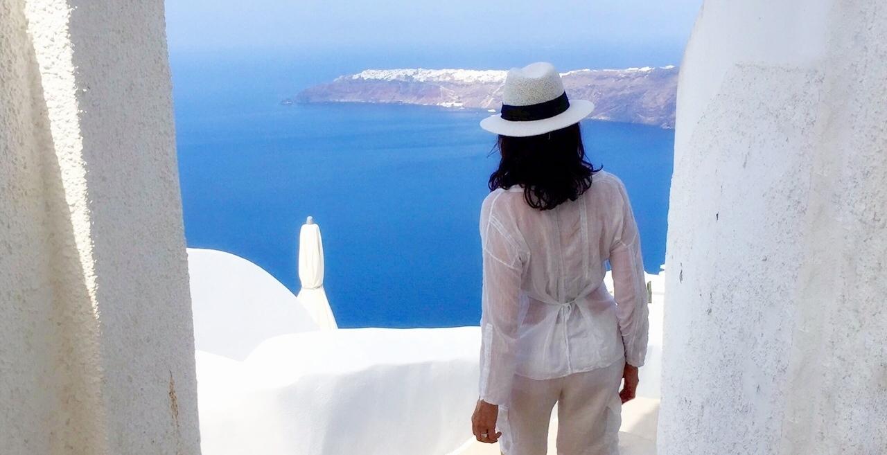 Alina de Albergaria - blog Designs by Alina Santorini Greece