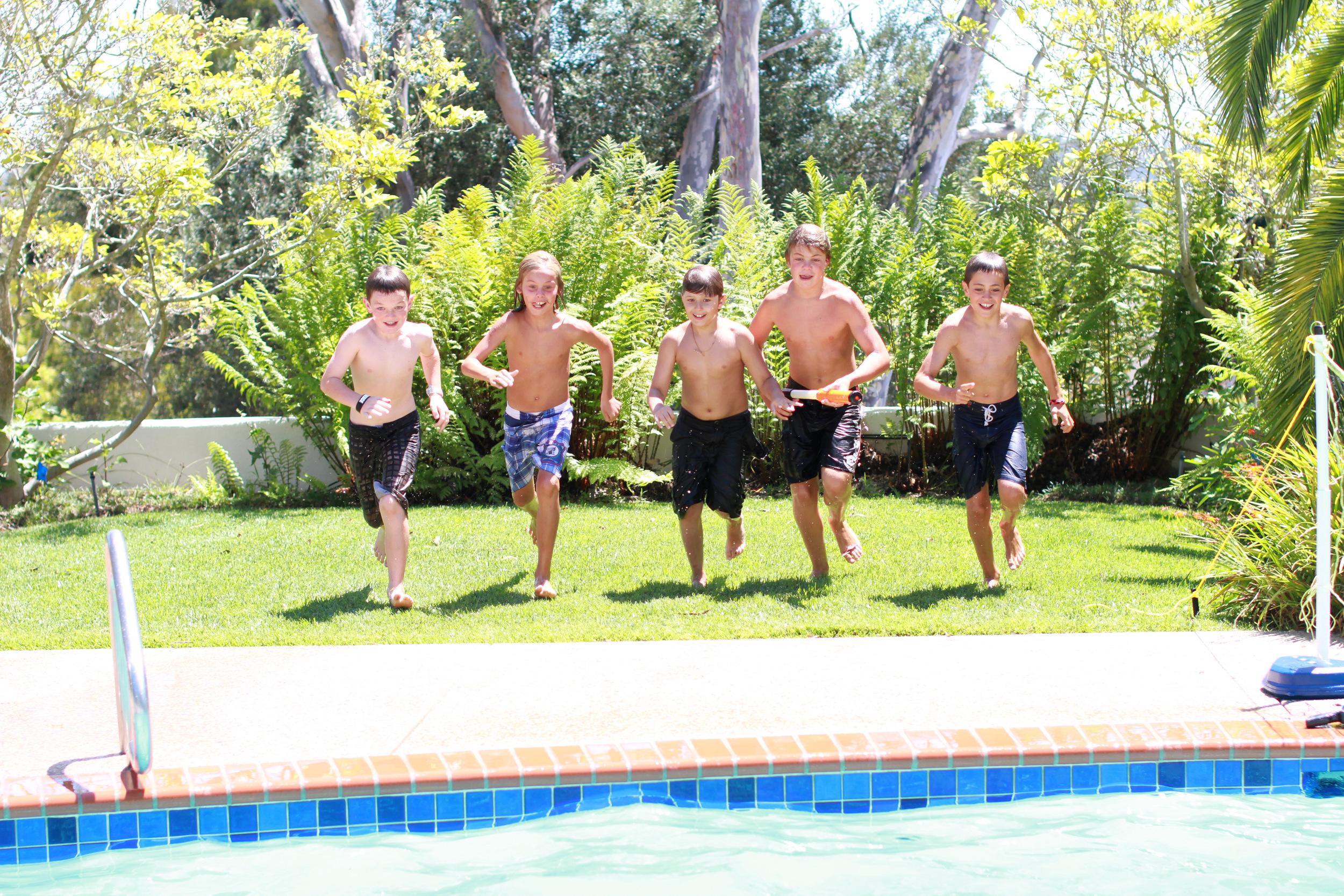 Boys race.JPG