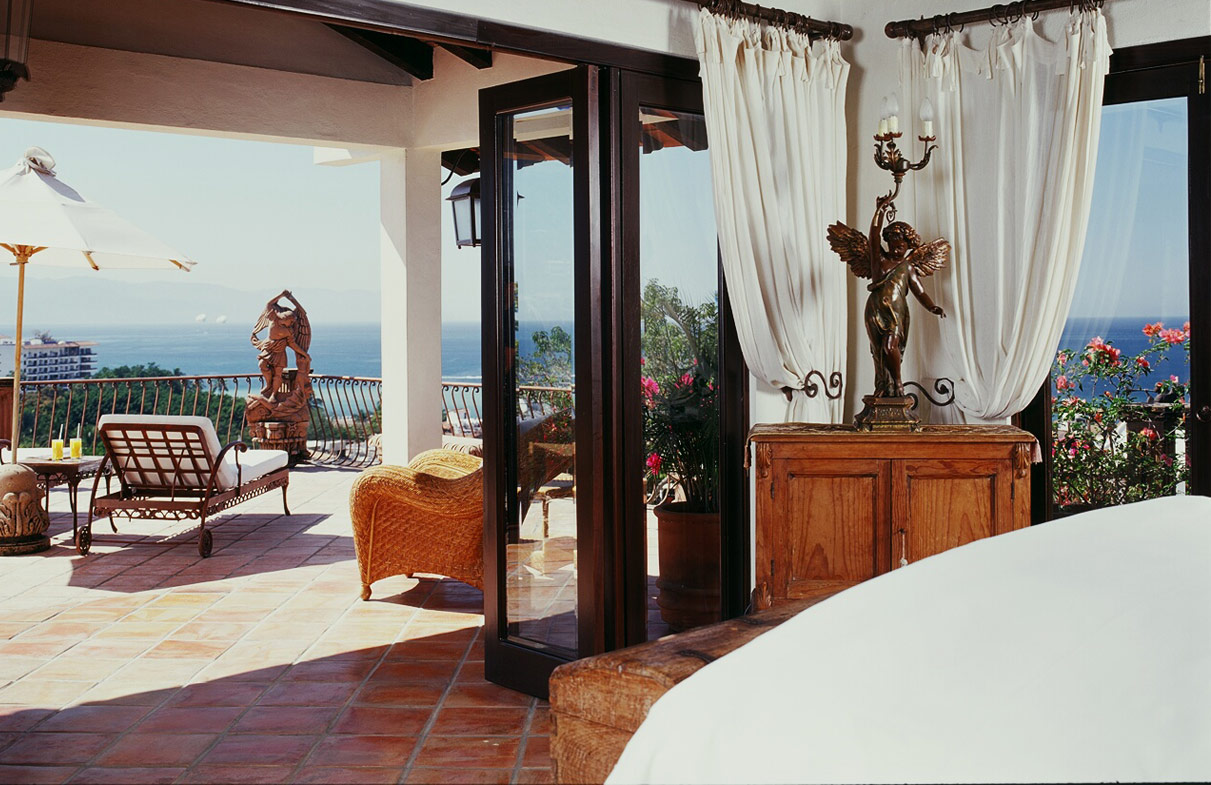 Photo of the San Miguel suite, courtesy of Hacienda San Angel Hotel