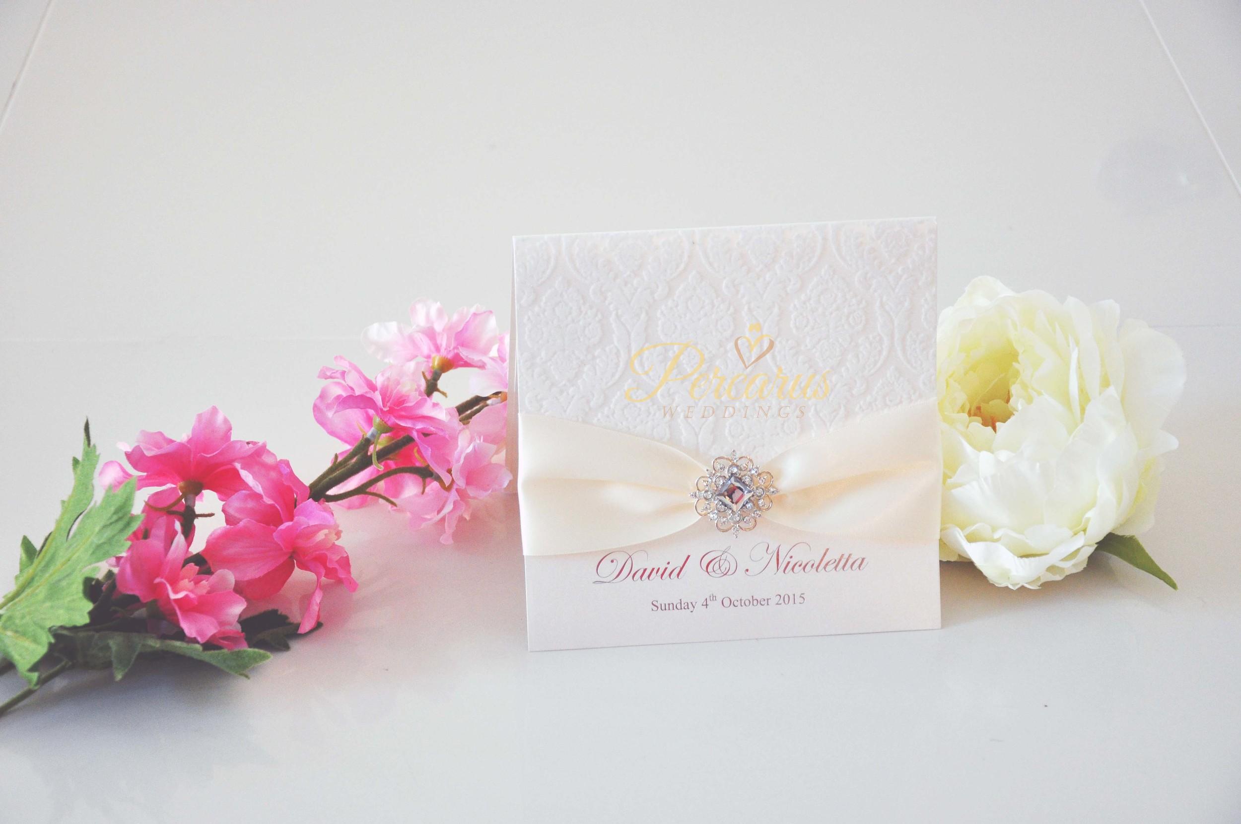 customised-luxury-invitations