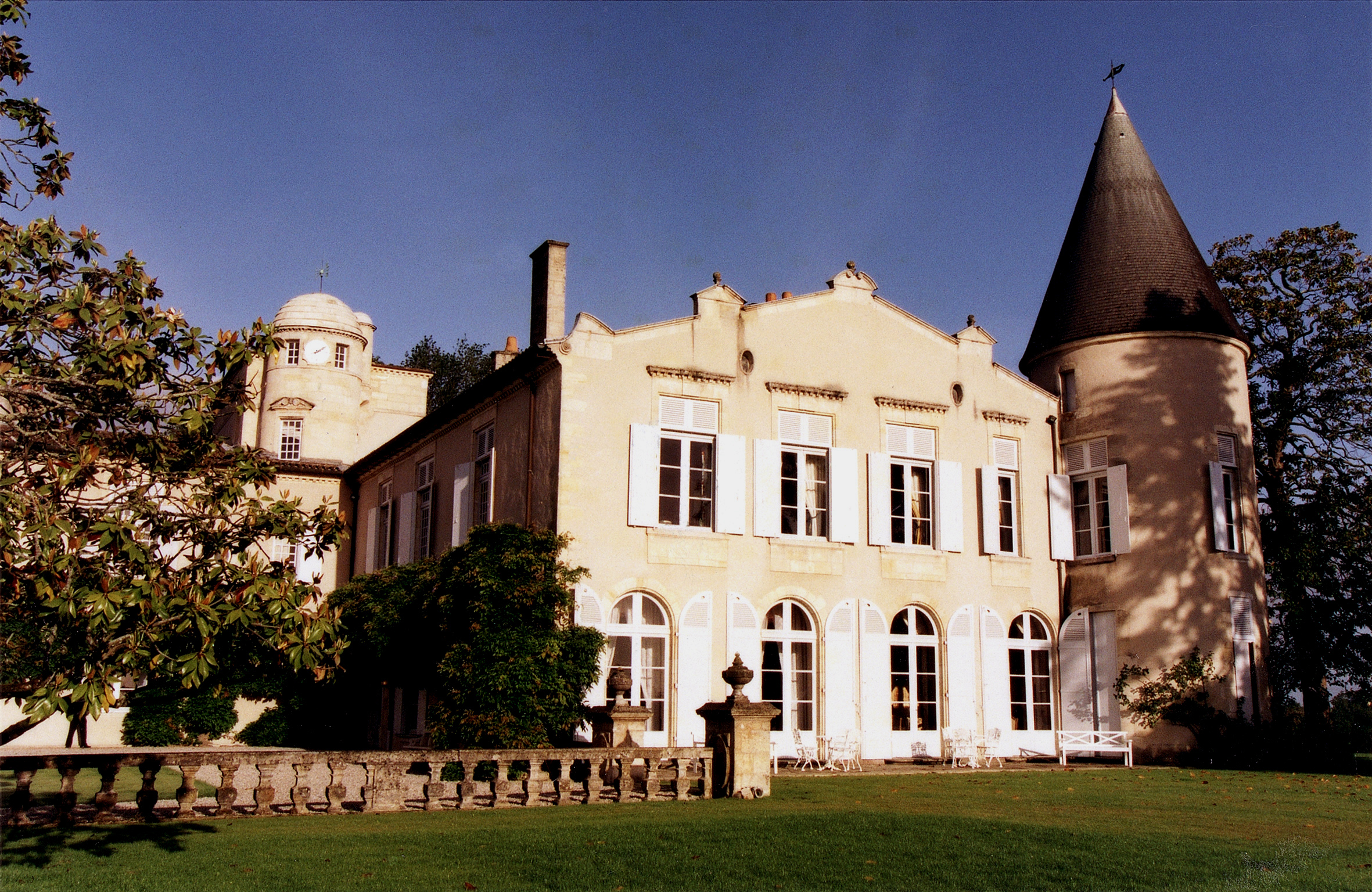 Chateau Lafite A name for Excellence Finesse and Elegance finess  拉菲堡一部非比寻常的历史.jpg