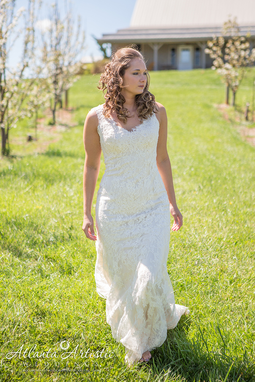 Wedding photography by www.atlantaartisticweddings.com