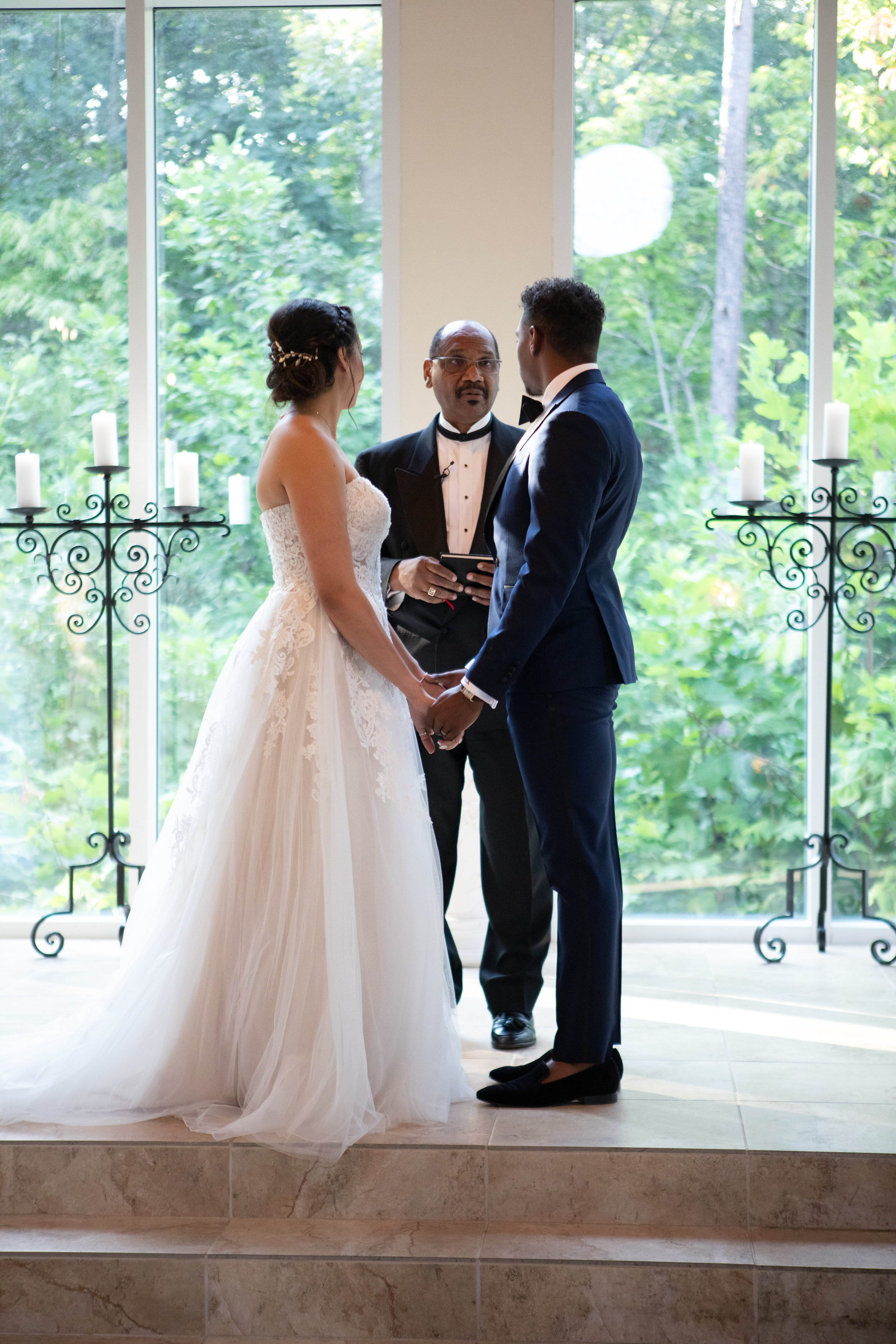 Wedding vows photo by the Atlanta wedding photographers at AtlantaArtisticWeddings