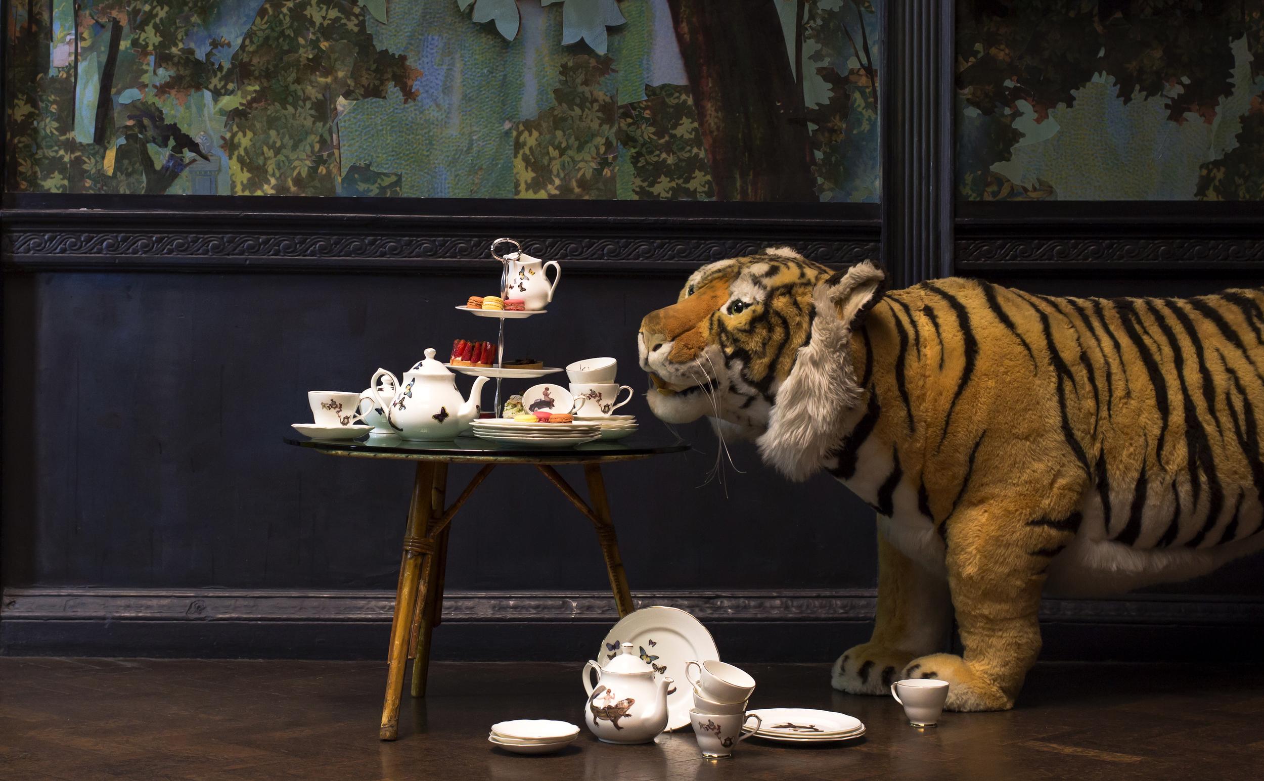 Ali Miller & a Steiff tiger
