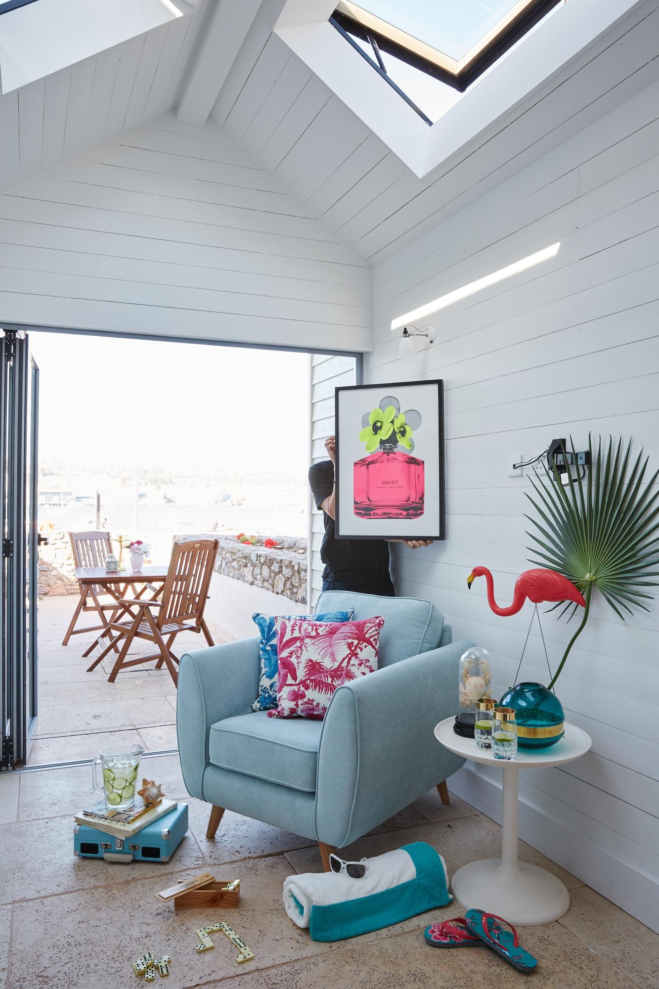 20150629 DFS Beach House-1286 painting.jpg