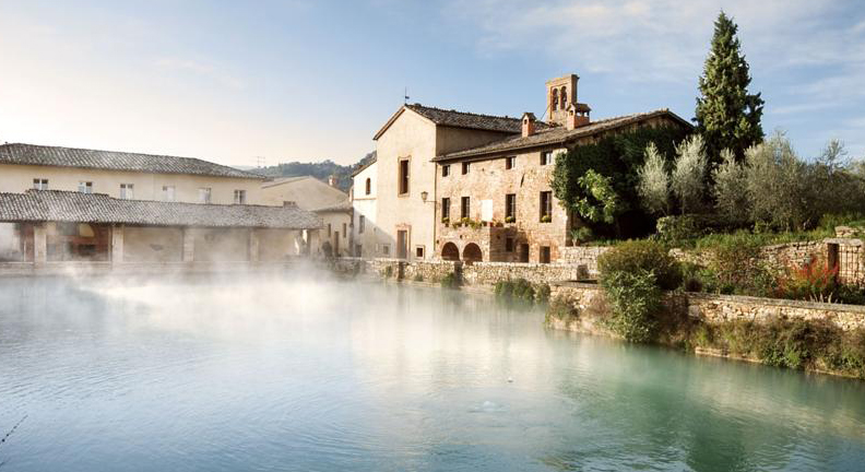 Romantic-Cities-in-Italy_Bagno-Vignoni.jpg