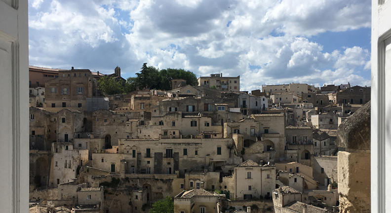 Romantic-Cities-in-Italy_Matera.jpg