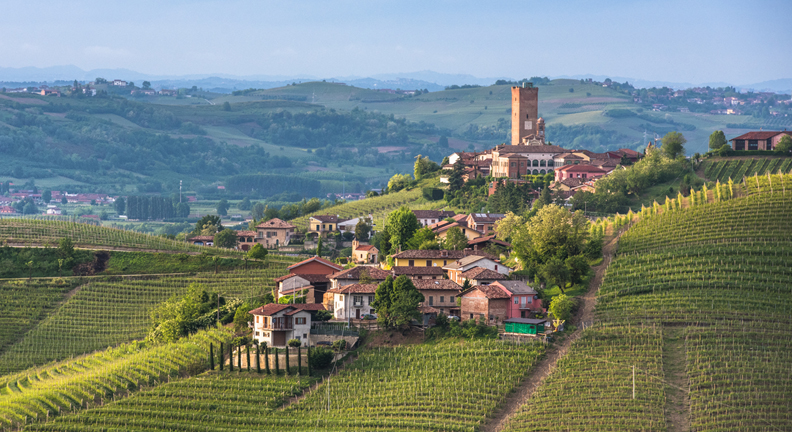 Romantic-Cities-in-Italy_Barbaresco.jpg