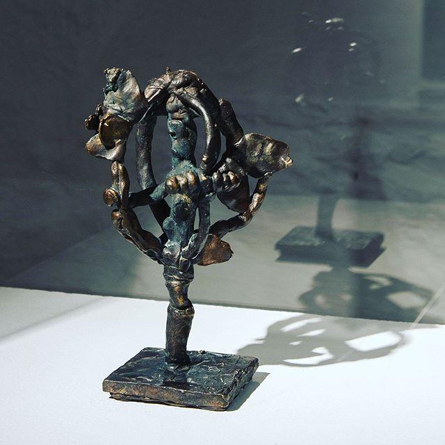 «Sepeter» 20 x 10 x 12 cm, cast solid bronze, 2019, by Kristine Øksendal #kristineøksendal #apaintersview #kunstbankenhedmarkkunstsenter 📸Tobias Nordvik