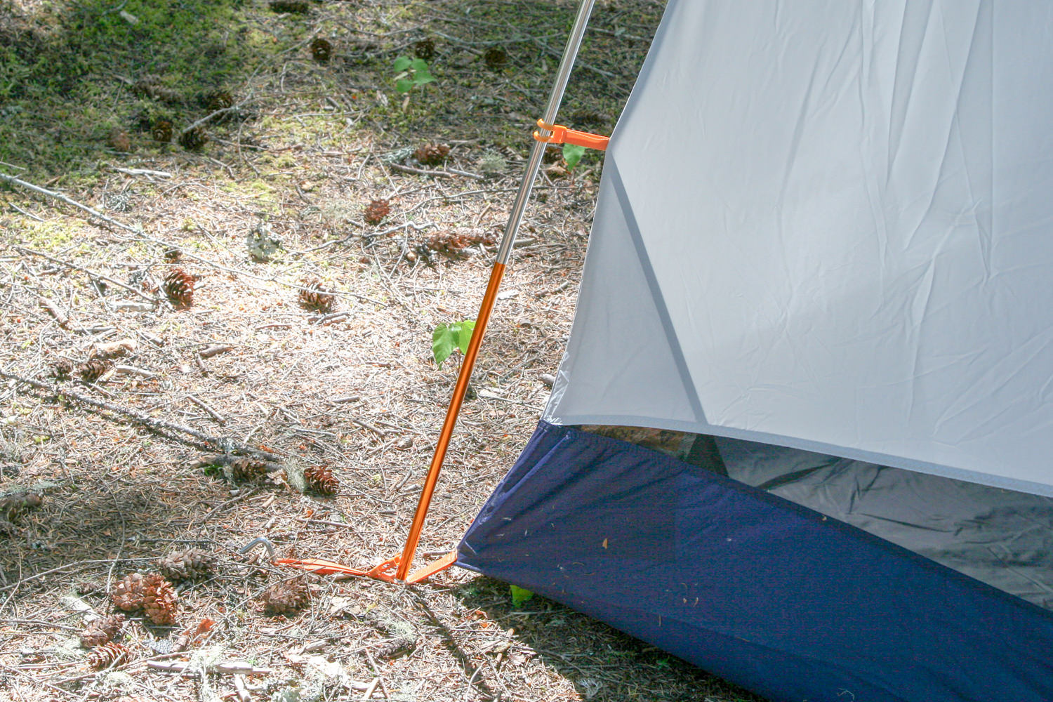 color-coded poles make for a quick and simple set up.