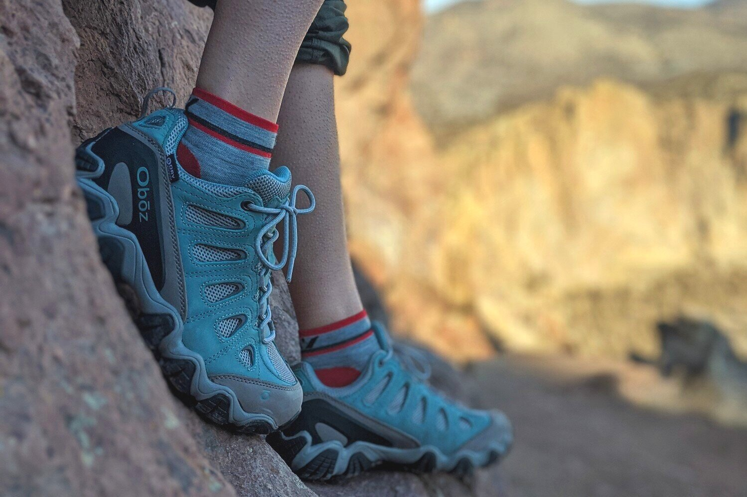 salomon outline low gtx hiking shoes - women's high quality