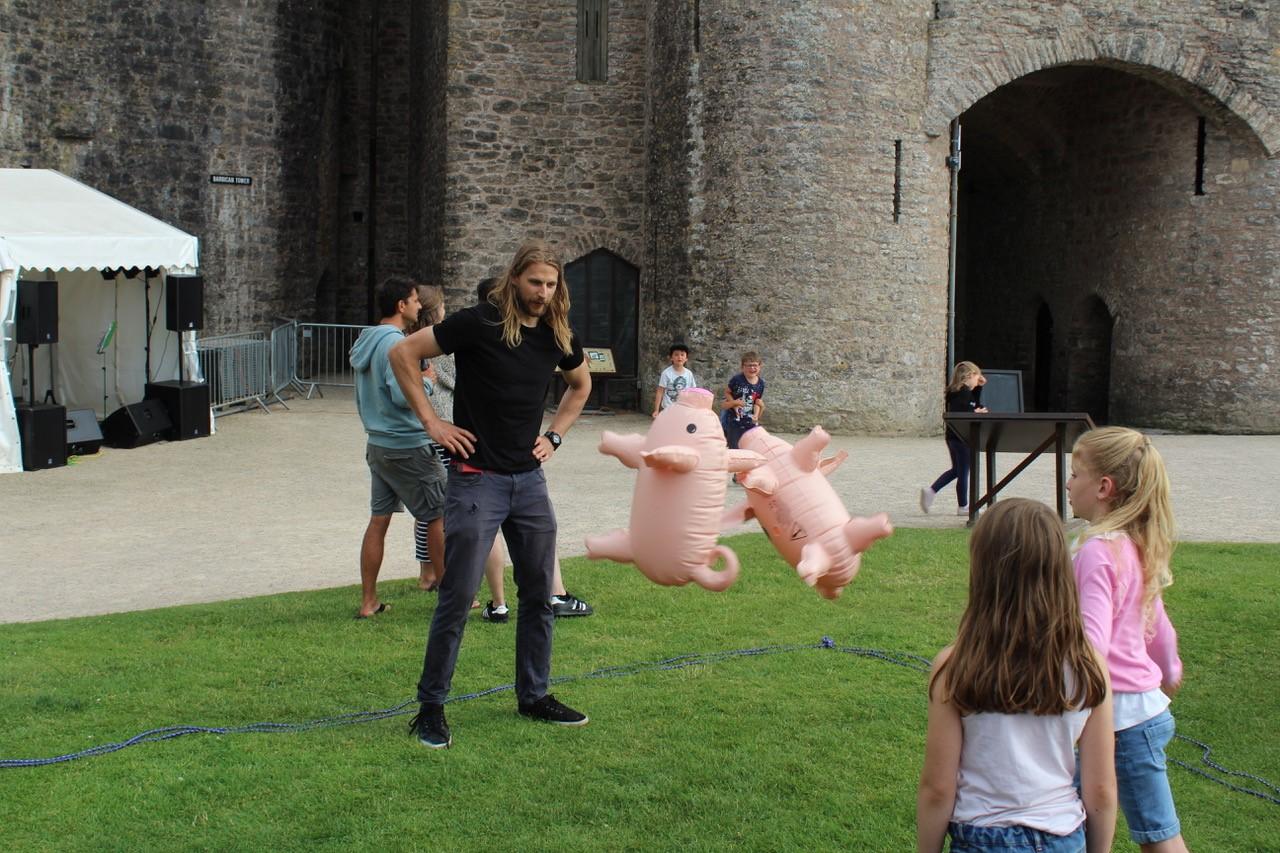 Pig throwing.jpg