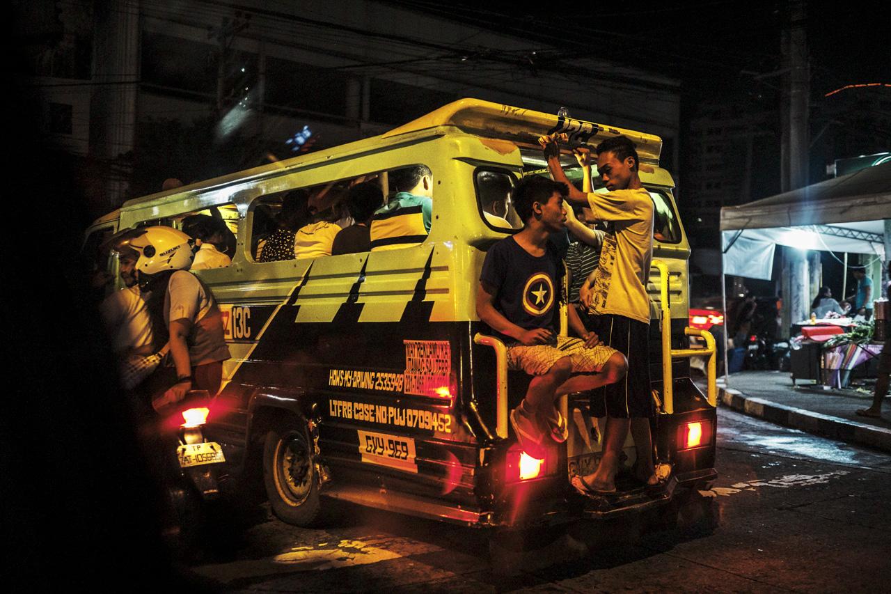 Filipino Jeepneys - commuting cultures18.jpg