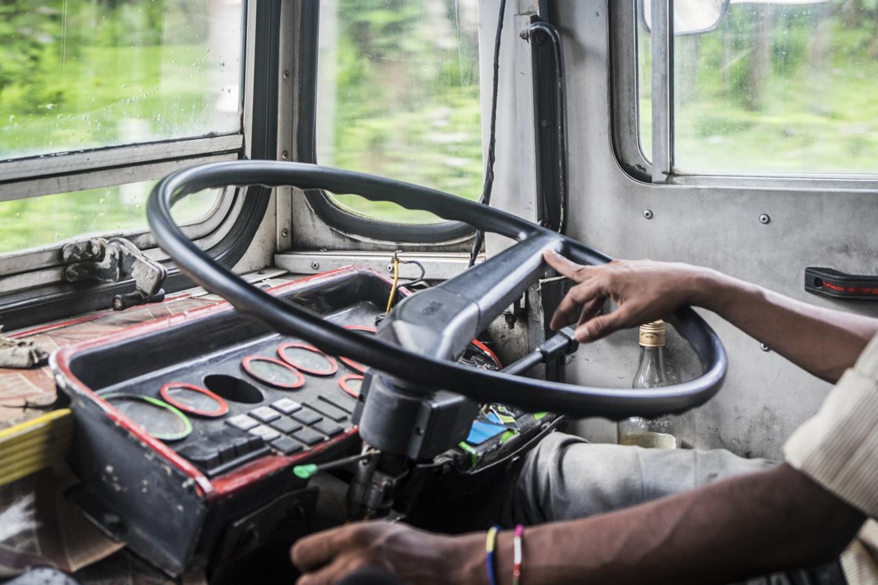 Sri Lanka buses - commuting cultures7.jpg
