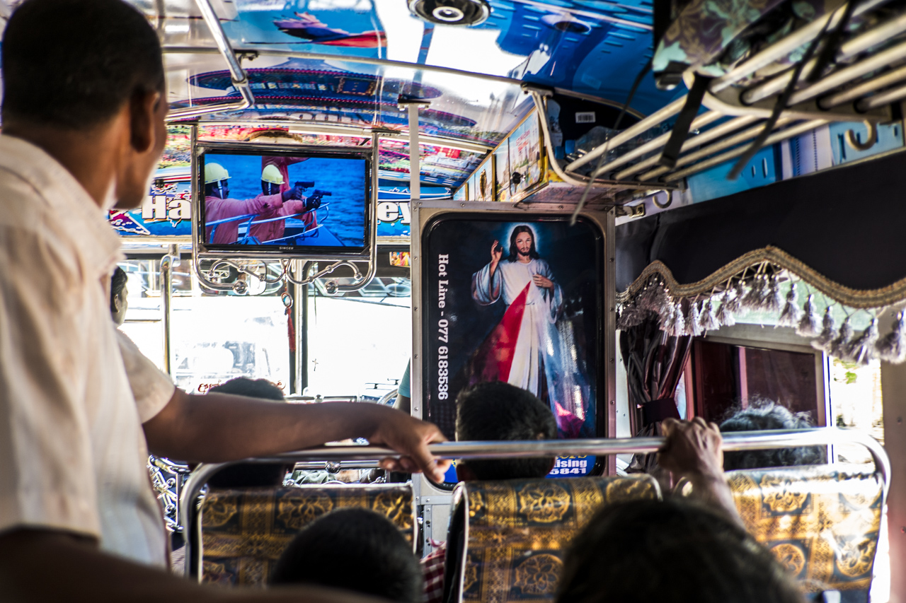 Sri Lanka buses - commuting cultures9.jpg