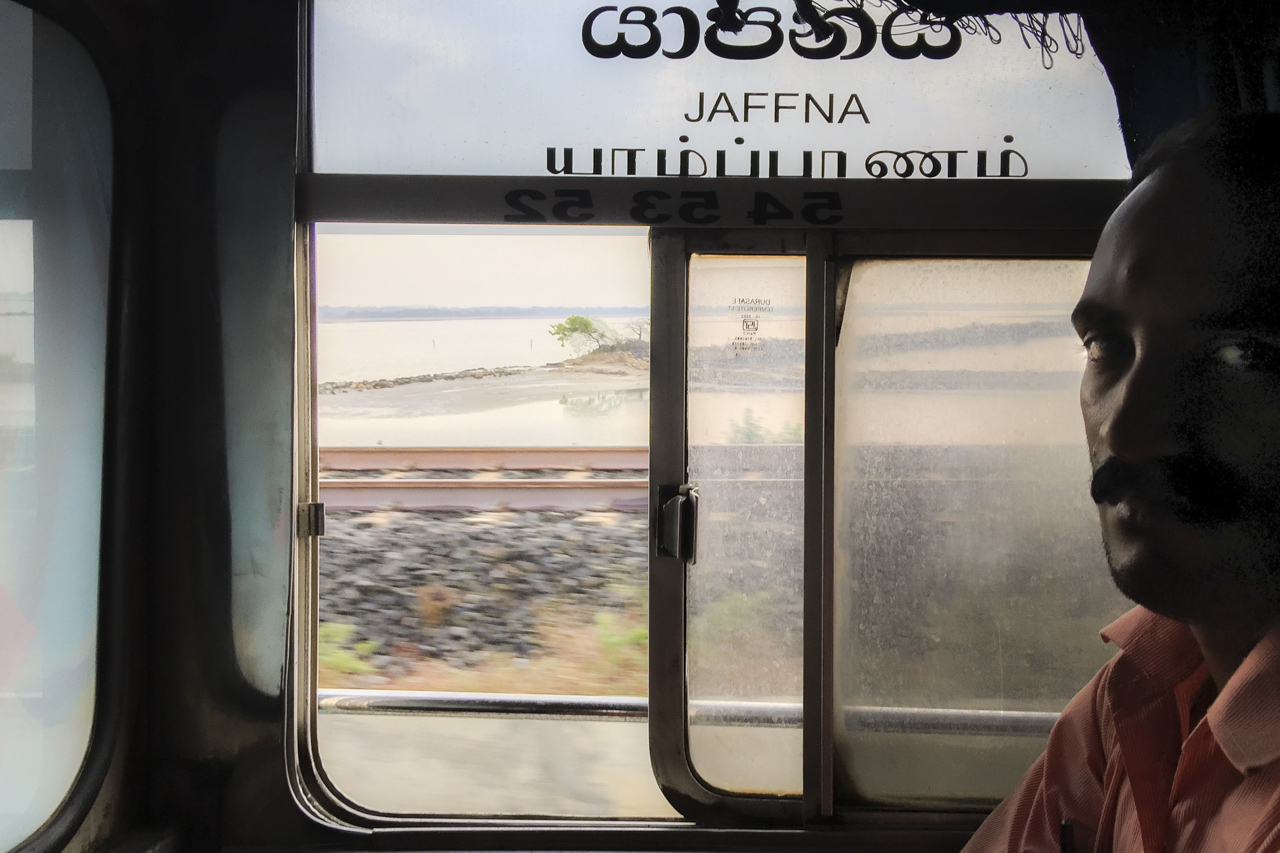 Sri Lanka buses - commuting cultures10.jpg