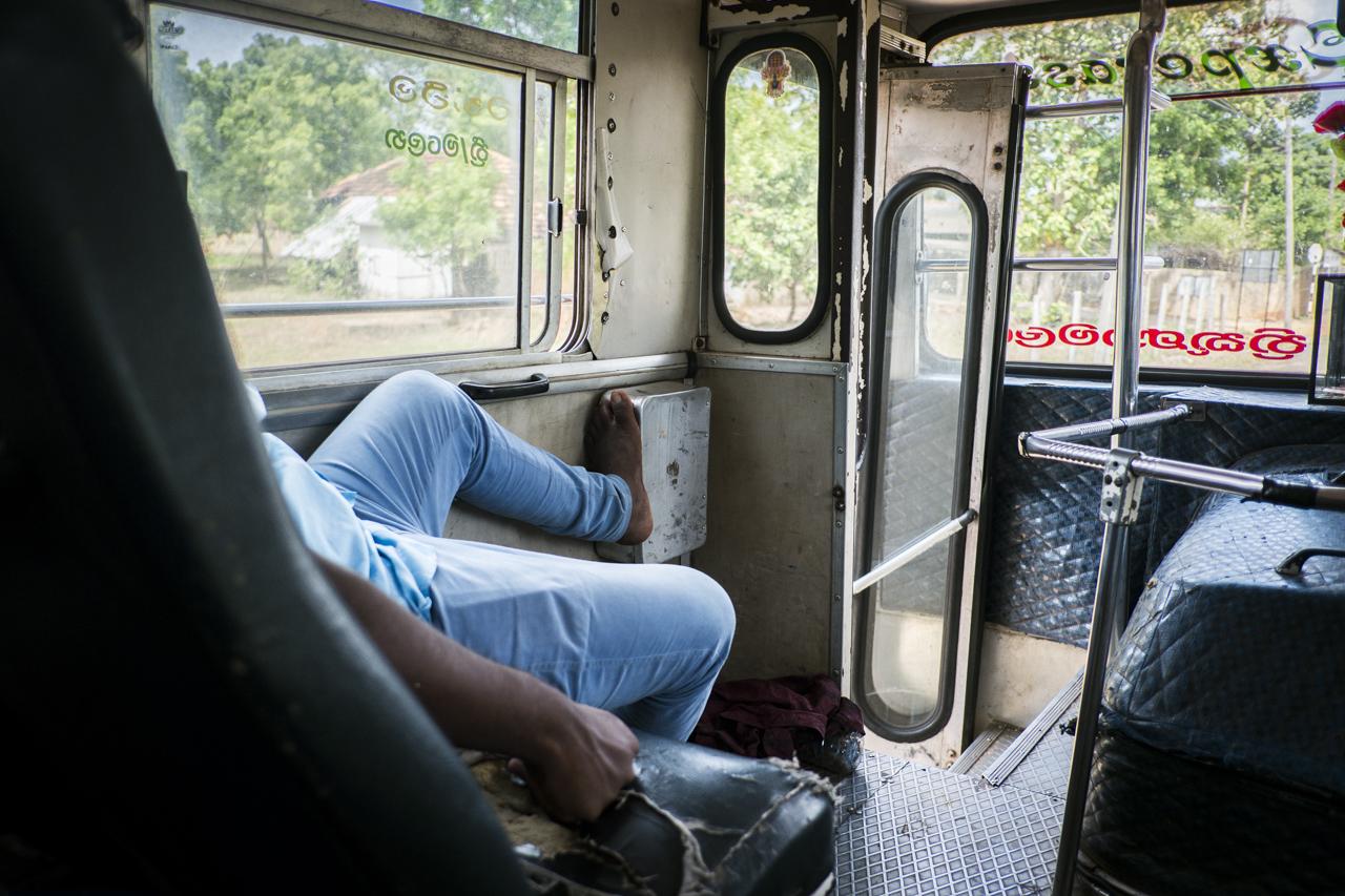 Sri Lanka buses - commuting cultures13.jpg
