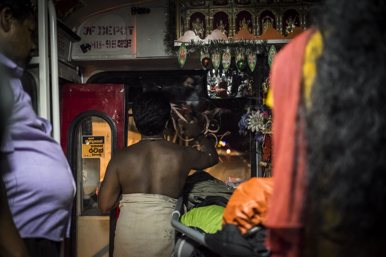 Sri Lanka buses - commuting cultures27.jpg