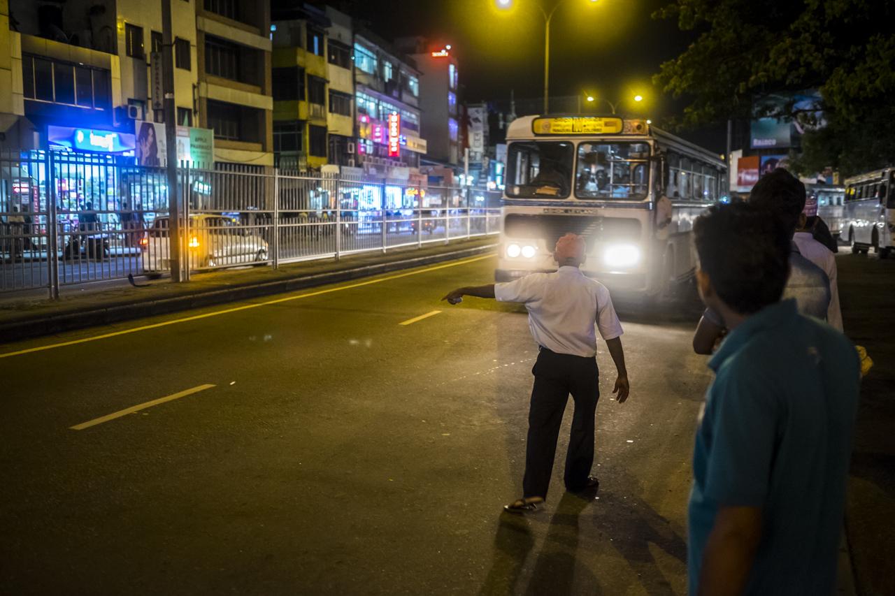 Sri Lanka buses - commuting cultures32.jpg