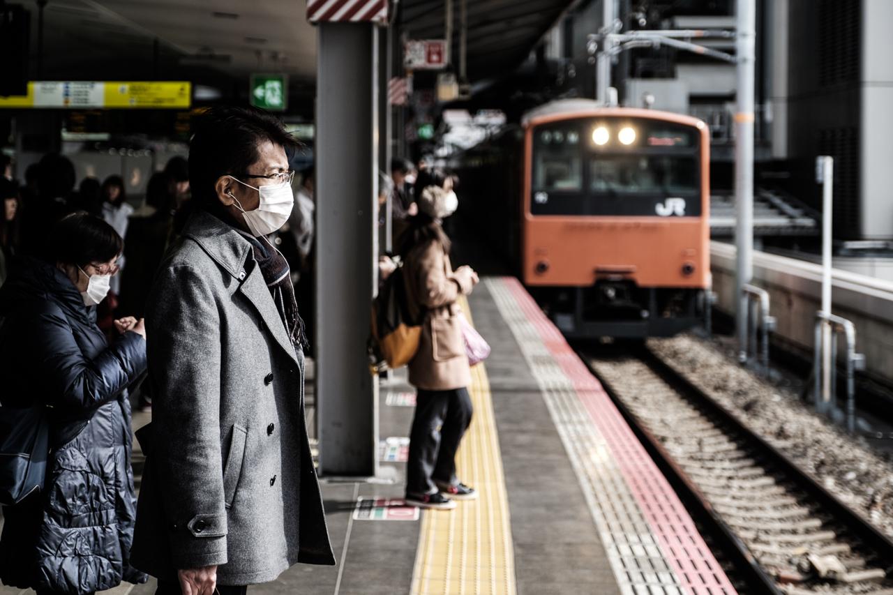 Japan subway and light rail - commuting cultures10.jpg