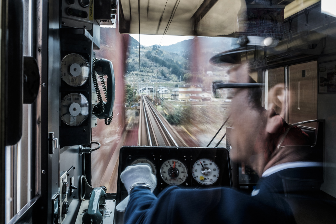 Japan subway and light rail - commuting cultures15.jpg
