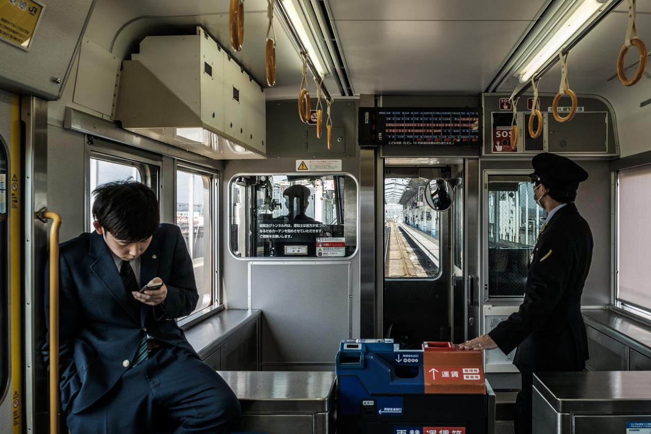 Japan subway and light rail - commuting cultures17.jpg