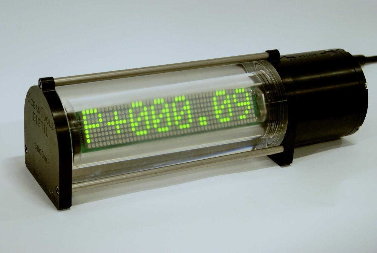 DISTIL pitch and roll LED display with integral tilt sensor