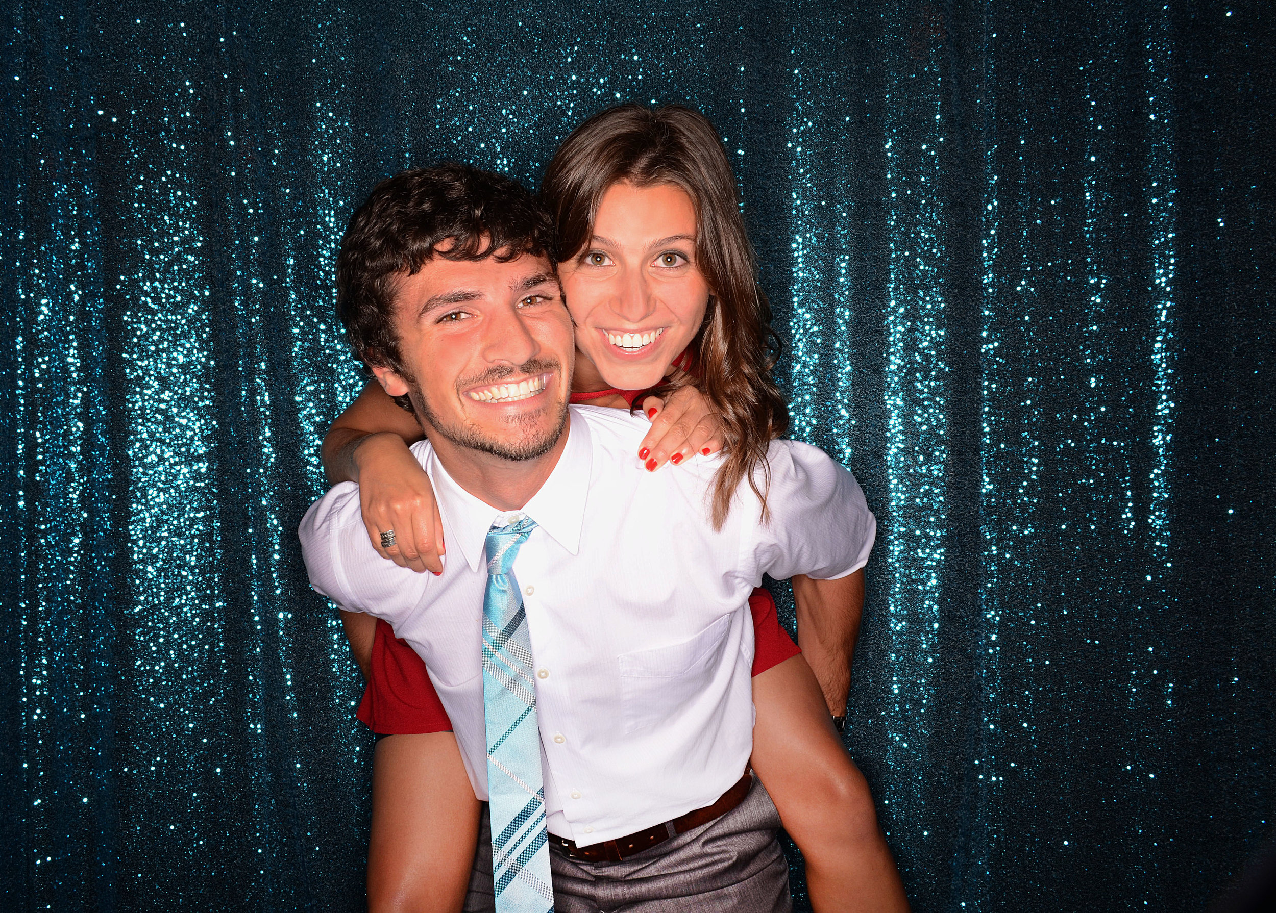 Open-photo-booth-dallas-for-weddings