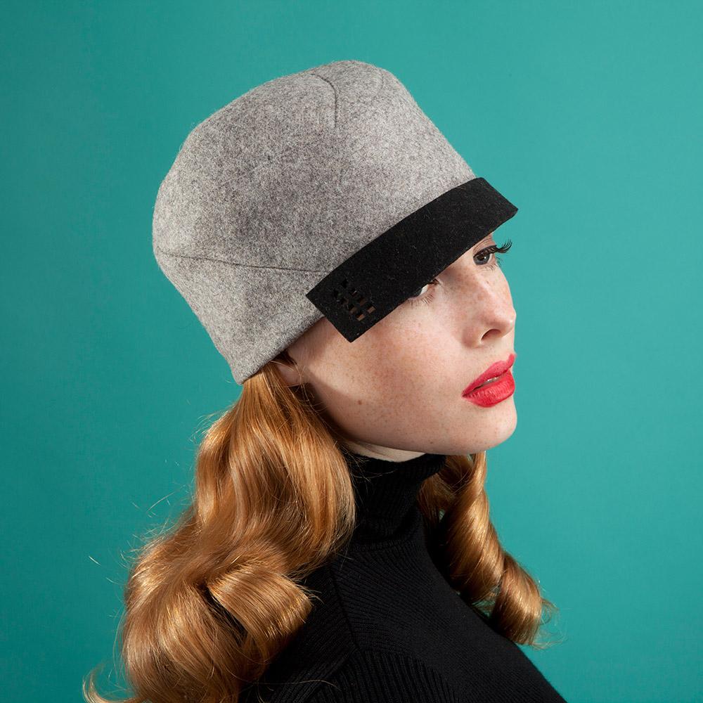 'Calla' peaked cap