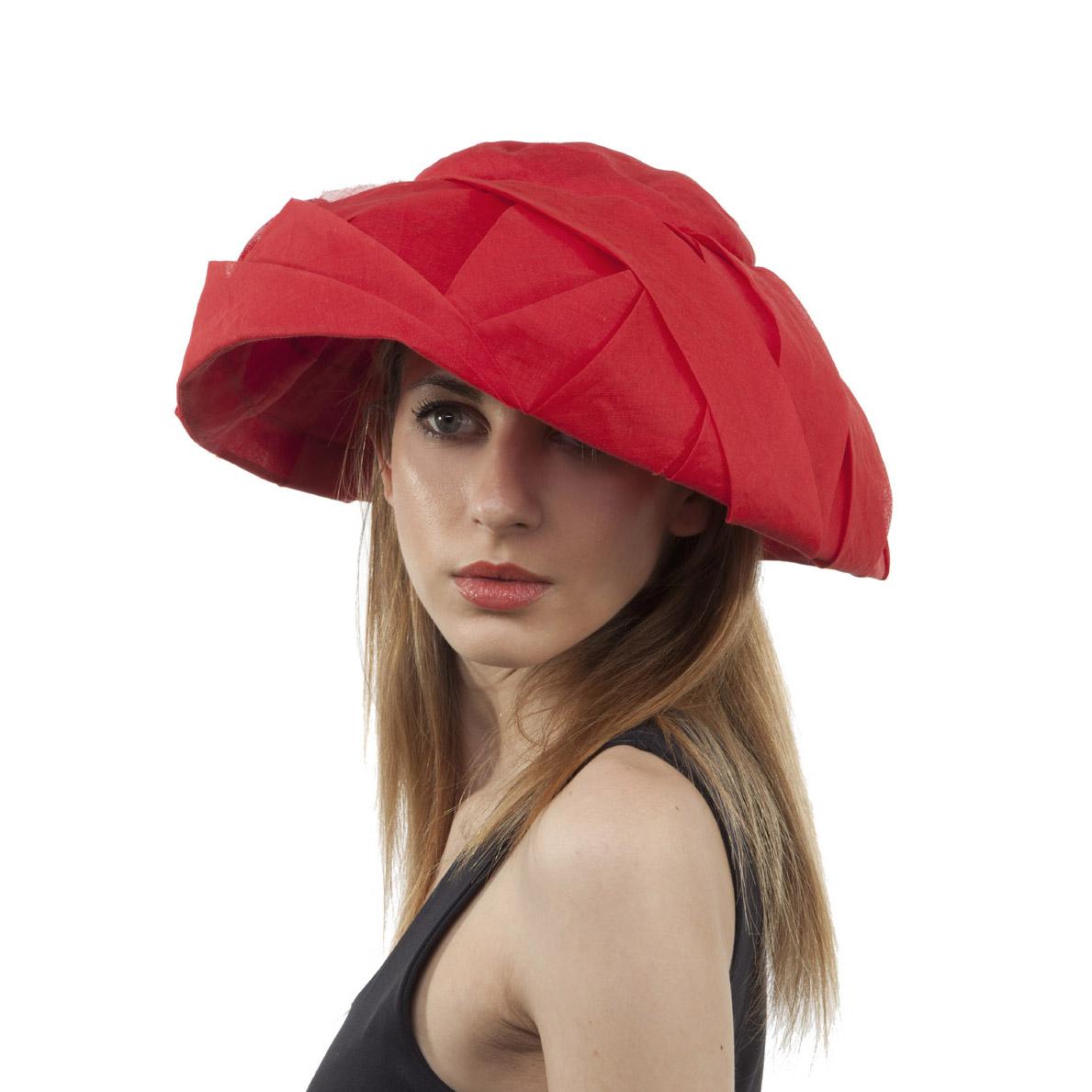 'Audrey' sun hat in red cotton organdie