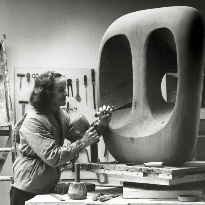Barbara Hepworth in studio 1963-crop.jpg