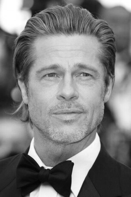 Actor Brad Pitt, whose face shape could be described as long square.