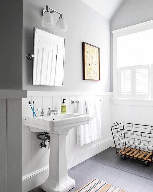 A crisp and clean kids bathroom...not for long! Design by @aliciamurphydesign